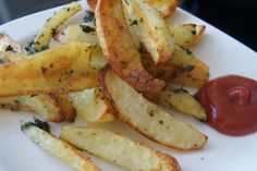 Pommes Frites mit Brennnessel-Marinade - Brennnesseln sammeln im Frühjahr. Sie sind gesund und sehr Vitaminreich.Pommes Frites mit Brennnessel-Marinade