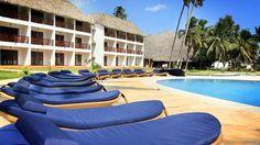 Doubletree Resort By Hilton Hotel Zanzibar - Nungwi - Hotel Pool And Sun Loungers