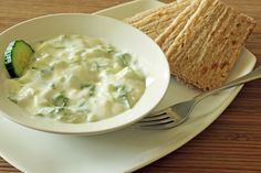 This version of the classic Greek dip, Tzatziki, is simple to make and tastes delicious. It also contains ingredients that can help to beat your Candida.