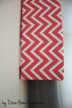 There is a simple way to make a DIY window valance that is renter friendly, and it only takes $10 and 10 minutes!