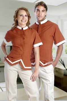 Uniforme mixto para el personal de Hotel disponible en el catálogo de Creaciones Red http://www.creacionesred.com.mx/