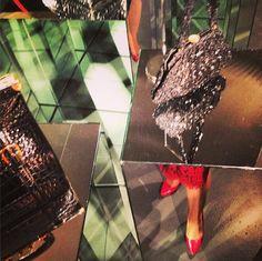 """#Loewe se acerca…al #consumidor! 168años, """"fragmentos de una historia""""  #Artesanía, #excelencia y #vanguardia http://www.thecreativemachinery.com/?"""