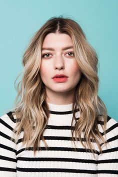 loose waves -how to  http://www.refinery29.com/2016/03/105014/riawna-capri-waves-hairstyle-pictures?utm_source=facebook.com