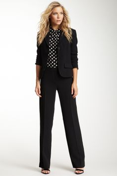 Chic Professional Woman Work Outfit. Such a cute work outfit!