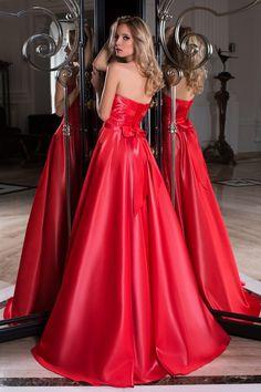 5ccb2758175 OKSANA MUKHA PARIS · Robes de soirée · Découvrez notre modèle Sophie