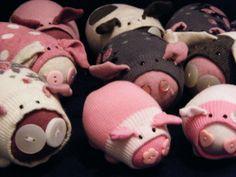 Caroline Coates: make sock pigs!