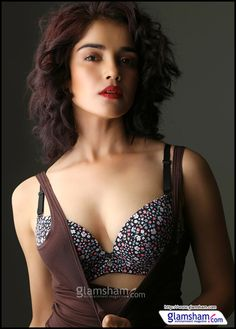 #LaalRang actress #PiaBajpai gets candid on why go-for-bigg-boss.asp