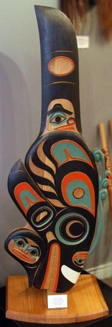 Hand Carved Killer Whale Free Standing Panel by Tlingit artist, Israel Shotridge from Ketchikan, Alaska. Carved from Red Ceda Arte Haida, Haida Art, Den Doodle, Ketchikan Alaska, Native American Artwork, Inuit Art, Tlingit, Aboriginal Artists, Totem Poles
