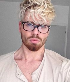 Looking for the best & trendy medium length hairstyles and haircuts for men? Believe me, you're gonna love these hairstyles & haircuts for Mens Hairstyles With Beard, Cool Hairstyles For Men, Cool Haircuts, Haircuts For Men, Men's Hairstyles, Medium Hair Cuts, Short Hair Cuts, Medium Hair Styles, Short Hair Styles