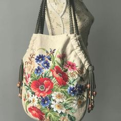 Community wall photos Source by braunvie Bags that will dominate in 2018 - Handbags Leather Purses, Leather Handbags, Patchwork Bags, Denim Bag, Fabric Bags, Cloth Bags, Handmade Bags, Handmade Handbags, Beautiful Bags