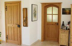 Haustüren aus Massivholz in Österreich   Rusticatio Türen und Fenster Furniture, Home Decor, Window Grill, Wood Windows, Castle Doors, Traditional Front Doors, Antique Doors, Rustic Doors, Windows And Doors