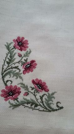 This Pin was discovered by Gül Small Cross Stitch, Just Cross Stitch, Cross Stitch Flowers, Cross Stitch Designs, Cross Stitch Patterns, Hand Embroidery Designs, Embroidery Applique, Cross Stitch Embroidery, Embroidery Patterns