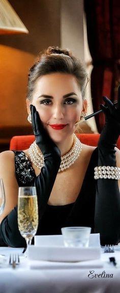 Elegance in black with pearls