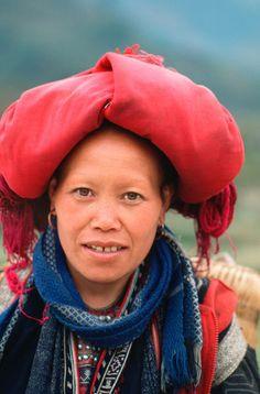 Portrait of a Dzao (Red Zao) woman.  Sa Pa, Northwest Vietnam. | © Silva Wischeropp,