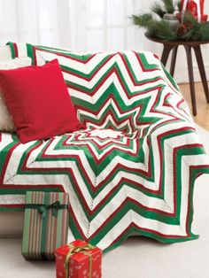 Free Pattern - This bold and bright star #knit afghan gives any room a festive…