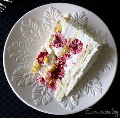 Raspberry Meringue Cake with Raspberry Whipped Cream (Torta de merengue frambuesa) Raspberry Meringue, Meringue Cake, Raspberry Cake, Meringue Desserts, Torta Pompadour, Chilean Recipes, Chilean Food, Salads, Gastronomia