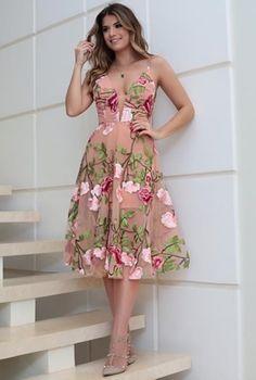 Send to Kevin Dress Outfits, Fashion Dresses, Evening Dresses, Summer Dresses, Frack, Short Dresses, Formal Dresses, Floral Fashion, Lovely Dresses