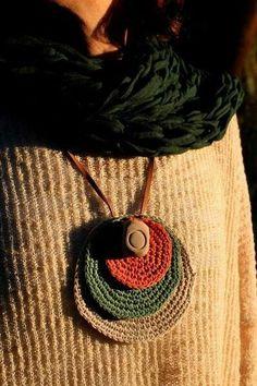 35 ideas crochet bracelet diy collars for 2019 Textile Jewelry, Fabric Jewelry, Beaded Jewelry, Handmade Jewelry, Jewellery, Crochet Jewelry Patterns, Crochet Accessories, Bracelet Crochet, Crochet Earrings