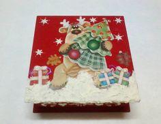 Caixa com kit - Natal . Sabonete decorado + Toalhinha com aplicação fita decorada de Natal !  Agrade quem você ama com um presente de Natal exclusivo ! R$ 35,99
