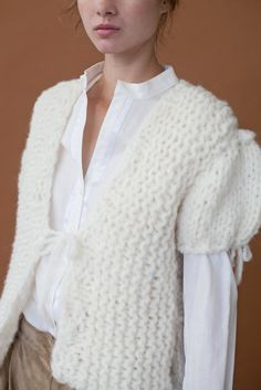 The Blanch short sleeve cardi Clean Slate, Hand Knitting, Pullover, Sleeves, Sweaters, Collection, Fashion, Moda, Sweater