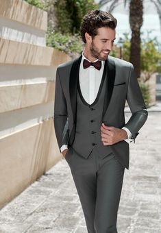 Indian Men Fashion, Mens Fashion Suits, Fashion Outfits, Designer Suits For Men, Well Dressed Men, Mens Clothing Styles, Wedding Suits, Marie, Groom Tuxedo