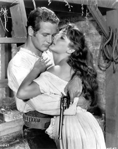 Paul Newman and Lita Milan in The Left-Handed Gun (Arthur Penn, a film about Billy the Kid with a screenplay by Gore Vidal Hollywood Actor, Classic Hollywood, Old Hollywood, Matt Dillon, Faye Dunaway, Jean Simmons, Robert Redford, Joan Collins, Steve Mcqueen