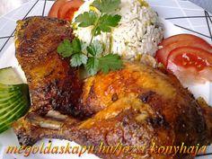Chilis rozmaringos csirkeje http://megoldaskapu.hu/csirke-receptek/chilis-rozmaringos-csirke-0 • 1 db közepes méretű konyhakész csirke • 5 dkg vaj • 5 gerezd fokhagyma • 1 db rozmaring ág vagy szárított rozmaring • 1 db chili paprika • só • őrölt fekete bors • szárnyas fűszerkeverék