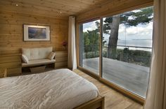 Realise a healthy and ecological Scandinavian style house with solid wood. Get inspired by contemporary designs and plan your dream home! Inside A House, House In The Woods, Cabin Plans, Log Homes, Scandinavian Style, Contemporary Design, Solid Wood, How To Plan, Interior Design