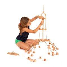 Juego de madera de 130 piezas ideal para juego simbólico, construcción, matemáticas y geometría. Marca Trigonos. Tamaño minii. Para niños de 4 a 12 años Science For Kids, Activities For Kids, Early Childhood Activities, Router Projects, Wood Games, Waldorf Toys, Mini Games, Wooden Puzzles, Designer Toys