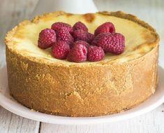 İç harcında peynir yerine yoğurt var ama cheesecake tadında. Üstelik şekeri de hiç baymıyor. Tarifini herkesin soracağı, çay saatlerinizin…