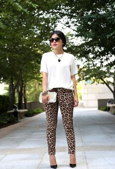 Leopard pants are pants with a leopard skin motif. Many women wear these pants because they are easy to mix and match with other outfits. Leopard Pants Outfit, Leopard Print Outfits, Animal Print Outfits, Leopard Fashion, Animal Print Fashion, Fall Fashion Outfits, Work Fashion, Fashion Looks, Classy Outfits