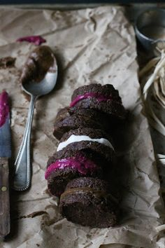 This Rawsome Vegan Life: MACAROONS with BEET, CHOCOLATE and COCONUT CREAMS