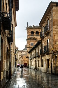 Salamanca Spain (by Sergio Lora) Leonardo Höhne Countries Around The World, Places Around The World, Around The Worlds, Aragon, Amazing Buildings, Spain And Portugal, Spain Travel, Beautiful Places, Amazing Places