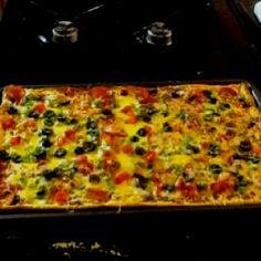 Taco pizza Taco Pizza, Vegetable Pizza, Tacos, Easy Meals, Drink, Vegetables, Food, Beverage, Essen