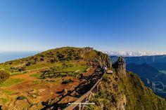 Maïdo Venez profitez de la Réunion !! www.airbnb.fr/c/jeremyj1489 Motocross, Images, France, Mountains, World, Nature, Travel, Reunions, Landscapes