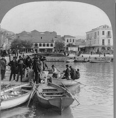 Greek immigrants embarking in small boat for steamer for America, Patras, Greece. Keystone View Co. Library of Congress Prints and Photographs Division Washington, D. Greek History, Us History, Greece Pictures, Old Greek, Greece Photography, History Projects, Photographs Of People, Small Boats, Athens Greece