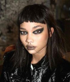 Punk Makeup, Edgy Makeup, Grunge Makeup, Beauty Makeup, Hair Makeup, Hair Beauty, Punk Rock Outfits, 70s Outfits, 90s Grunge Hair