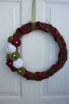 Noticing my wreath obsession?! I am going to have to only pick one or two of these. Love this one.