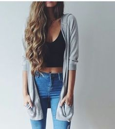Imagen vía We Heart It #fashion #makeup #summer #cuteoutfits #highwaistedjeans #casualoutfit #cutehairstyle #blackcroptop