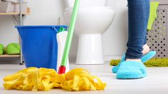 Cleaning floors can be a pain — make it easy with one of these great mops. Cleaning Mops, Green Cleaning, House Cleaning Tips, Spring Cleaning, Cortina Box, Organizar Closet, Apartment Cleaning, Clean Washing Machine, Bathroom Cleaning Hacks