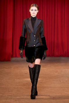 Christian Siriano WoW ~ showstopper outfit in rich mahoganies! (Fur fake?)