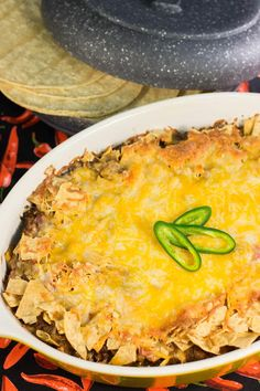 Mexican Ground Beef Casserole, Easy Mexican Casserole, Easy Casserole Recipes, Mexican Dishes, Mexican Food Recipes, Beef Recipes, Velveeta Recipes, Dip For Tortilla Chips, Dinner With Ground Beef