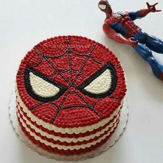 If you are planning a spiderman party here is a collection of spiderman cake ideas to help. Spiderman Torte, Spiderman Birthday Cake, Superhero Cake, Cake Birthday, Easy Cake Decorating, Cake Decorating Techniques, Bolos Naked Cake, Marvel Cake, Batman Cakes