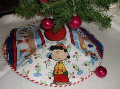 snoopy charlie brown peanuts christmas tree skirt mini new 24 handmade ebay - Mini Christmas Tree Skirt