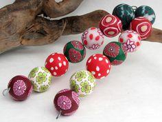 Rotkäpchen Design Polymer Clay Perlen, Fimoperlen  von Künstler-Perlen und Schmuck aus Polymer clay und Fimo auf DaWanda.com