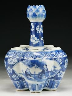 Chinese Antique Blue & White Porcelain Five Hole Vase: of Qing Dynasty