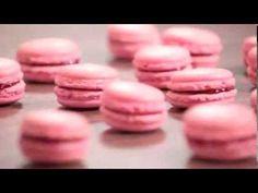 The Perfect Macaroons (Spanish) - Lucila Baiardi Cupcake Cookies, Mini Cupcakes, Mini Macaron, Patisserie Fine, Meringue, Crepes, Biscuits, Afternoon Tea, Oreo