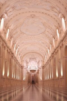 La Venaria Reale is one of the finest examples of the majesty of and century architecture - Turin - Architecture Antique, Beautiful Architecture, Beautiful Buildings, Parisian Architecture, Italy Architecture, Rose Gold Aesthetic, Brown Aesthetic, Pretty In Pink, Beautiful Places