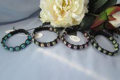 Käsintehtyjä rannekoruja. Handgjorda armband. Hand made bracelets. http://verkkokauppa.suzanne.fi/    http://shop.suzanne.fi/    https://www.facebook.com/SuzannesShop