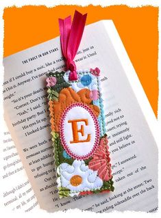Shabby Monogrammed Bookmark 4x4 (in the hoop)